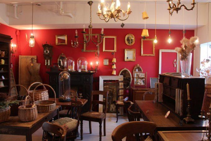 箕面市のアンティーク雑貨・家具店、「antique arles (アンティークアルル)」へ行って来ました。